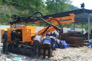 khoan giếng công nghiệp KW180